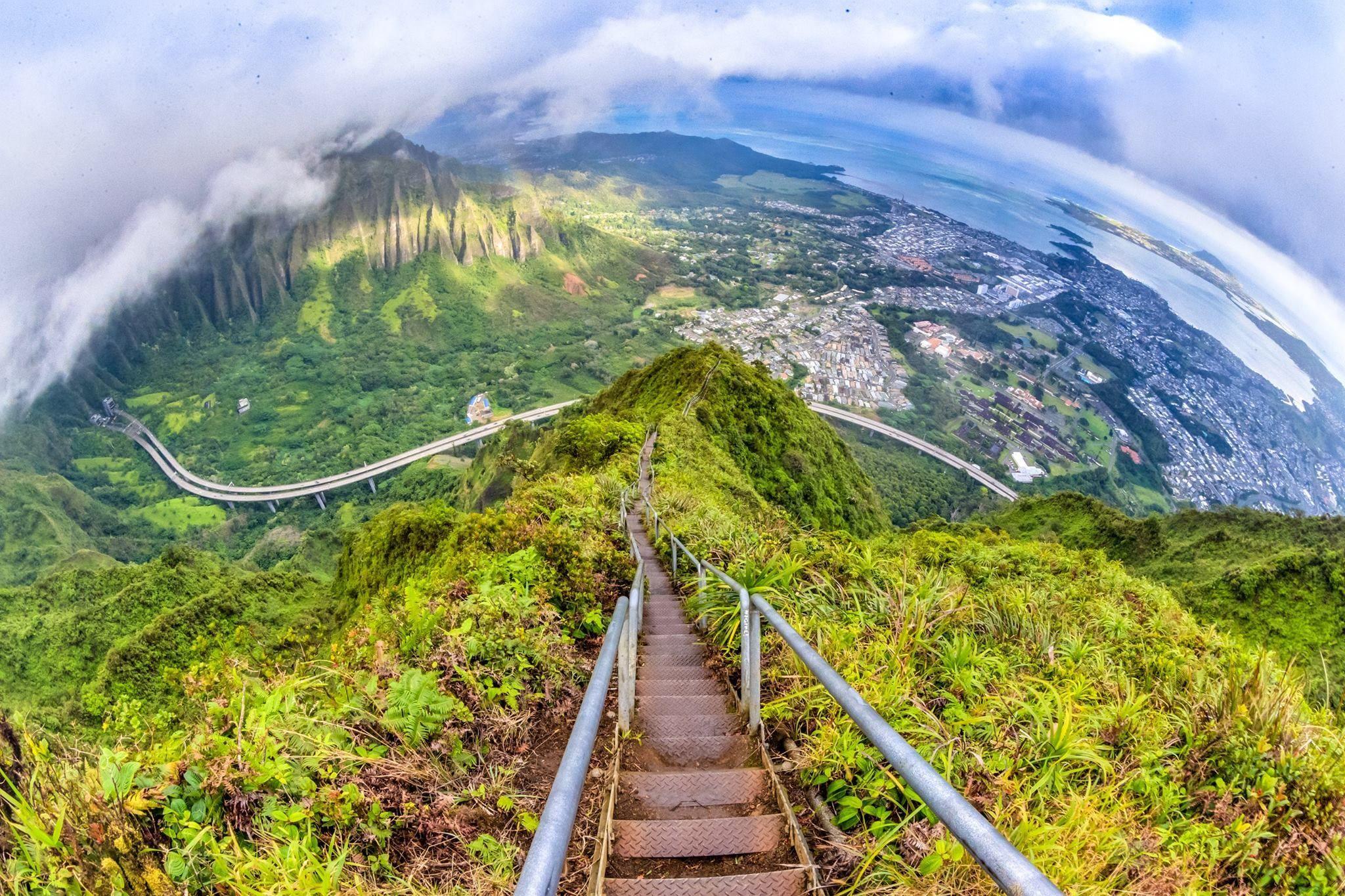 Haiku Stairs 3
